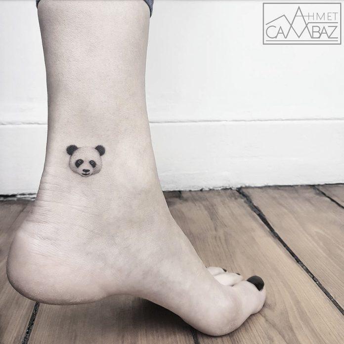 Tête de panda tatouage unique
