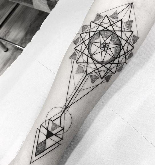 Tatouage Avant-bras Géométrie Sacrée