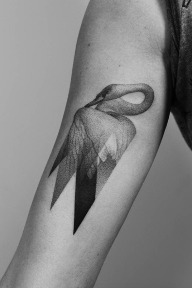 Tatouage de bras de cygne transparent
