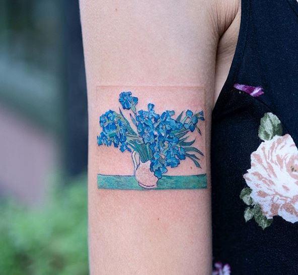 Tatouage de bras d'iris de Van Gogh