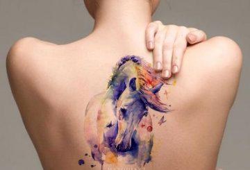 40 tatouages délicats et à couper le souffle qui célèbrent la femme 3