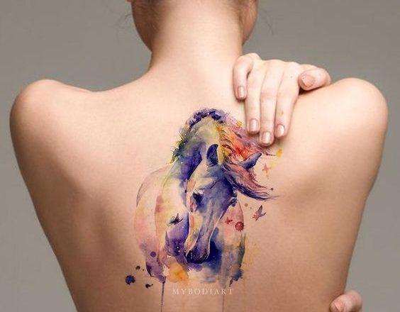 40 tatouages délicats et à couper le souffle qui célèbrent la femme 1