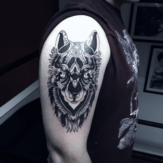 Meilleur tatouage de loup pour hurler sur la lune 88