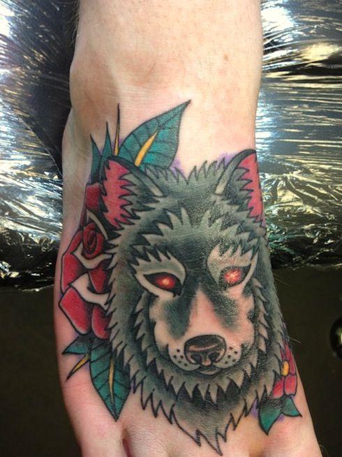 Meilleur tatouage de loup pour hurler sur la lune 28