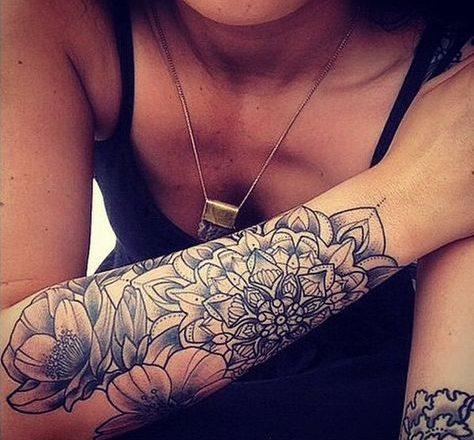 Les 90+ magnifiques dessins de tatouage de mandala pour les femmes et leur signification 1