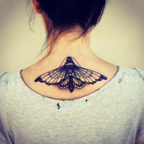 Tatouage papillon pour les filles