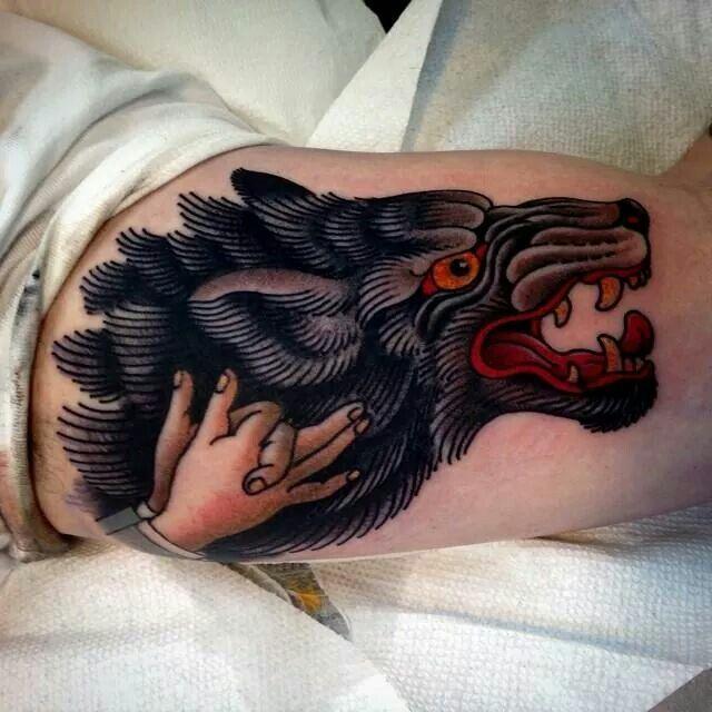 Meilleur tatouage de loup pour hurler sur la lune 18