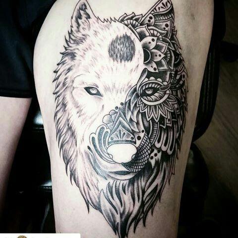 Meilleur tatouage de loup pour hurler sur la lune 14