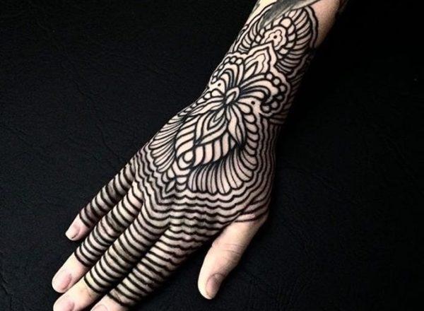 Tatouages à motifs - L'harmonie rencontre l'équilibre 1
