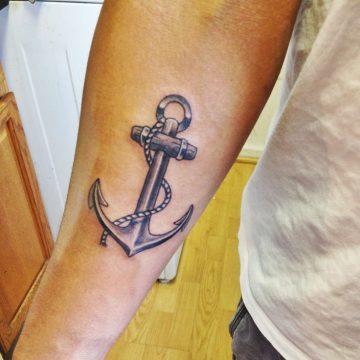 15 idées de tatouage pour l'ancre 9