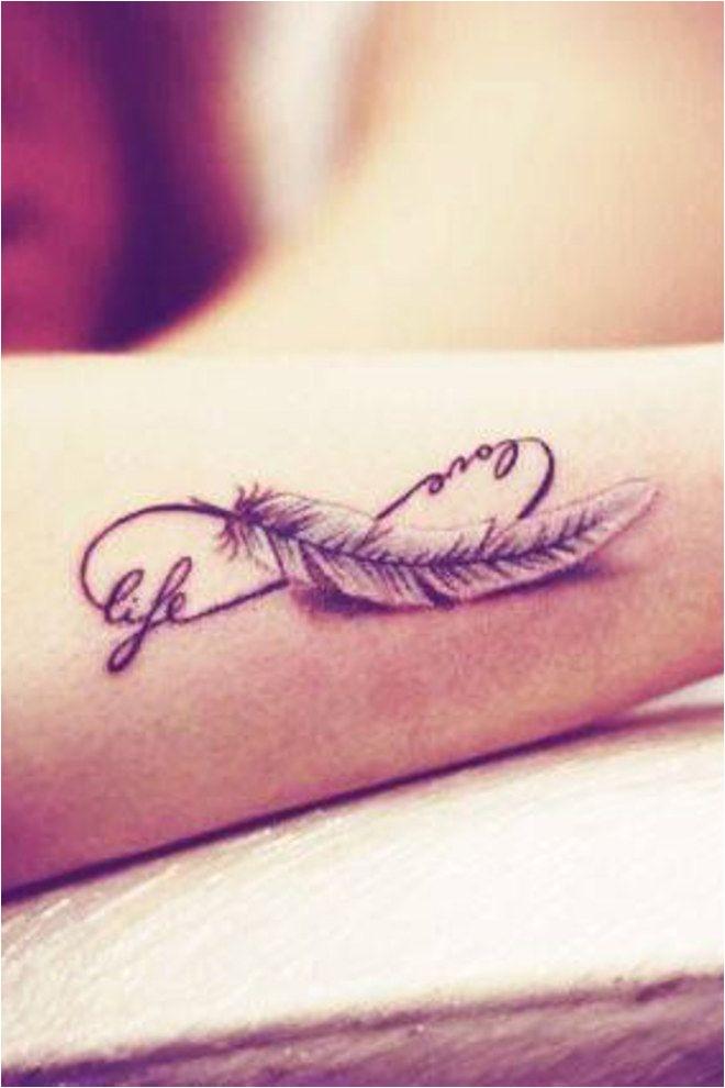 Doux féminin sensuel Fantaisie un beau tatouage de plumes pour chatouiller les curiosités Plumes classiques plumes de paon plumes d'aigle plumes d'oreiller