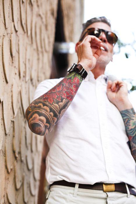 tatouage-fleur-homme-12
