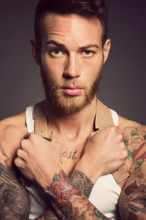 tatouage-fleur-homme-2