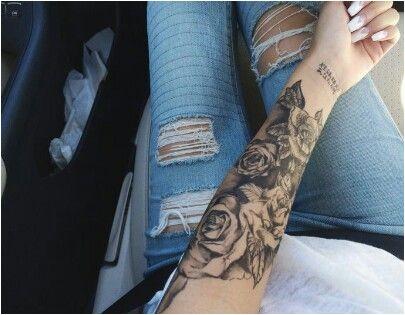 Tatouage Avant-bras Femmes Tatoué Filles Roses Tatouages Sur Le Bras Tatouages En Soie Manche Tatouages de Fleurs € Fleur Manche Rose