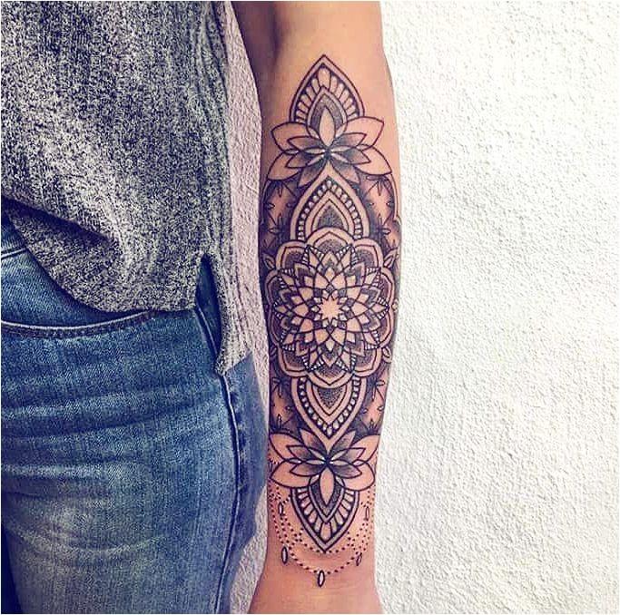 Idées de tatouage femme pour trouver le tatouage parfait