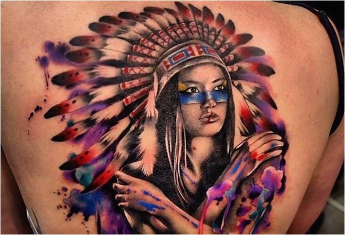 ide tattoo femme body art design in one color tattoo on the back with maquillage femme in nne