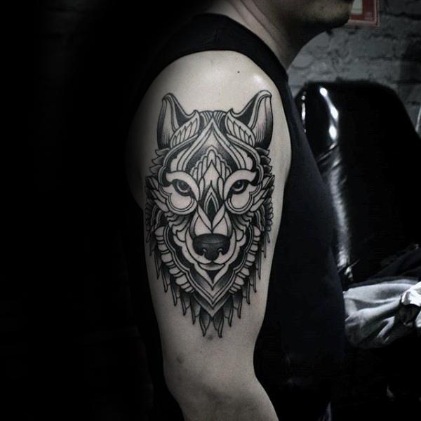 Meilleur tatouage de loup pour hurler sur la lune 90
