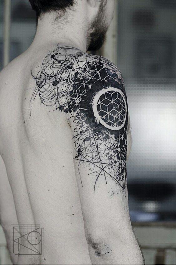 Tatouage Bras Géométrie Abstraite