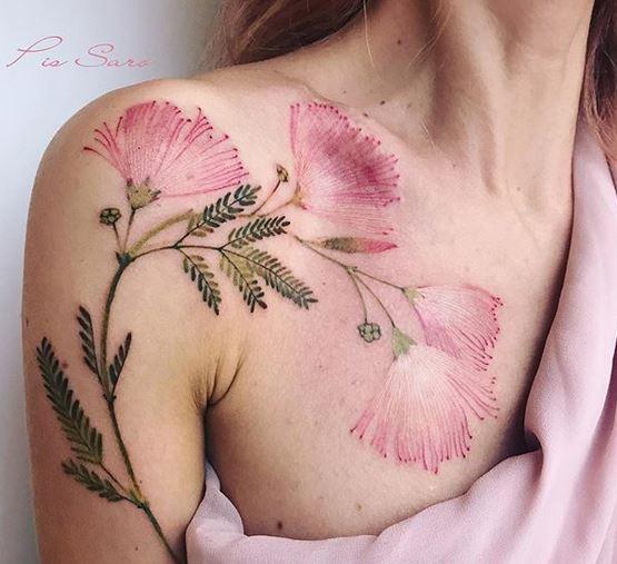 Albizia brindilles Bras à poitrine tatouage