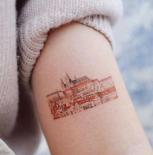 Tatouage bras sur le thème Architectura