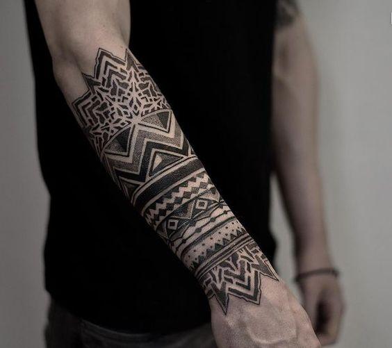 Tatouage de manche d'avant-bras tribal épique