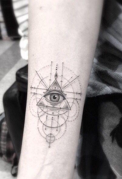 Oeil de Providence Géométrie Tatouage