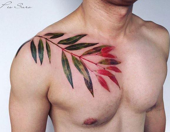 Tatouage Poitrine Feuilles Dégradées