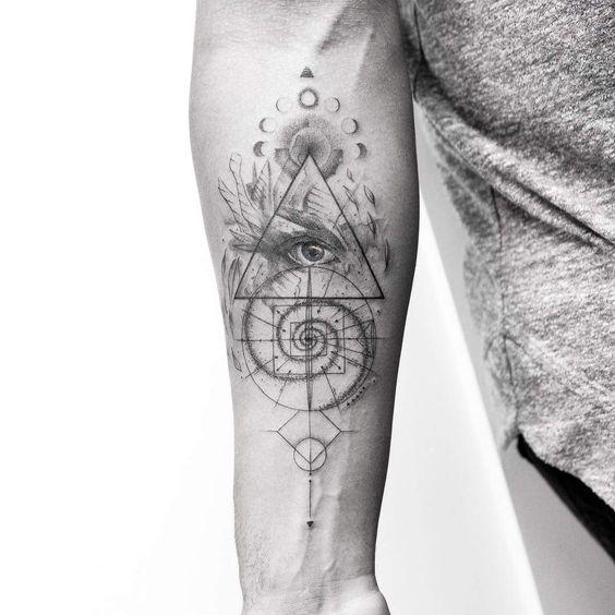 Oeil de Providence à l'encre grise Tattoo