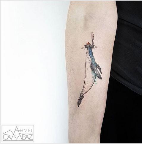 Tatouage de bras de baleine majestueux