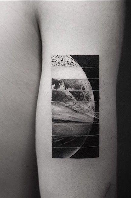Sections de planètes bras tatouage