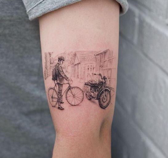 Le tatouage de bras de motard