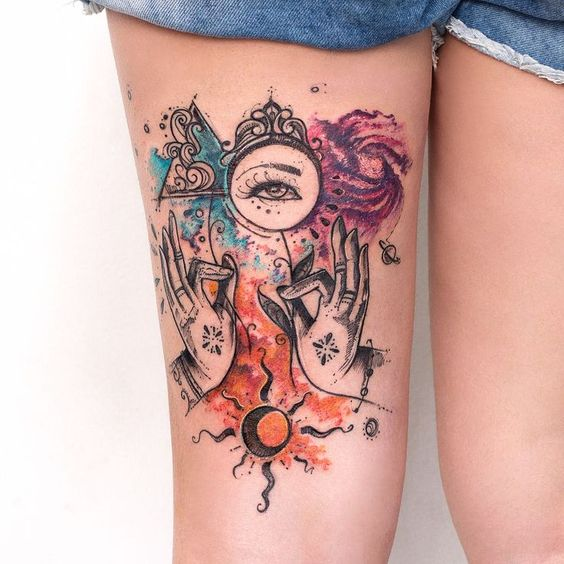 Tatouage de cuisse de symboles aquarelle