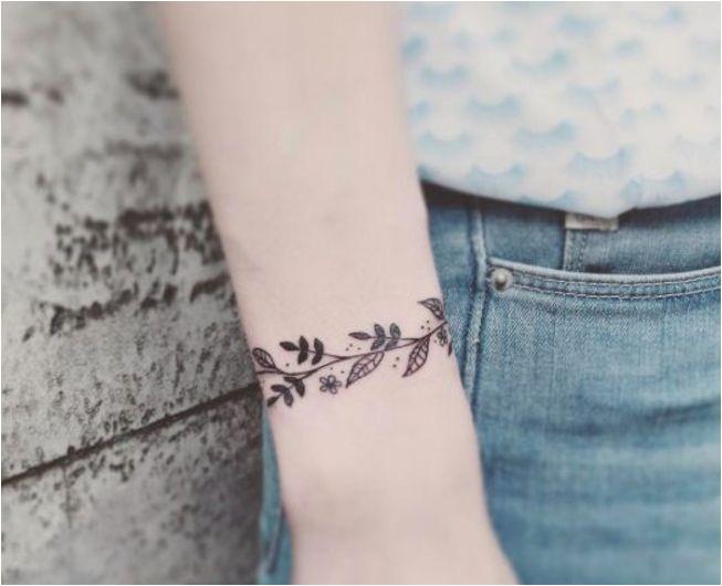 1001 idées de bracelet de tatouage et idées bracelet de poignet femme tatouage unique