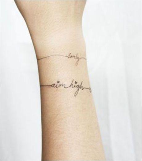 extrait de 19 tatouages au poignet beaucoup plus beau qu'un simple bracelet