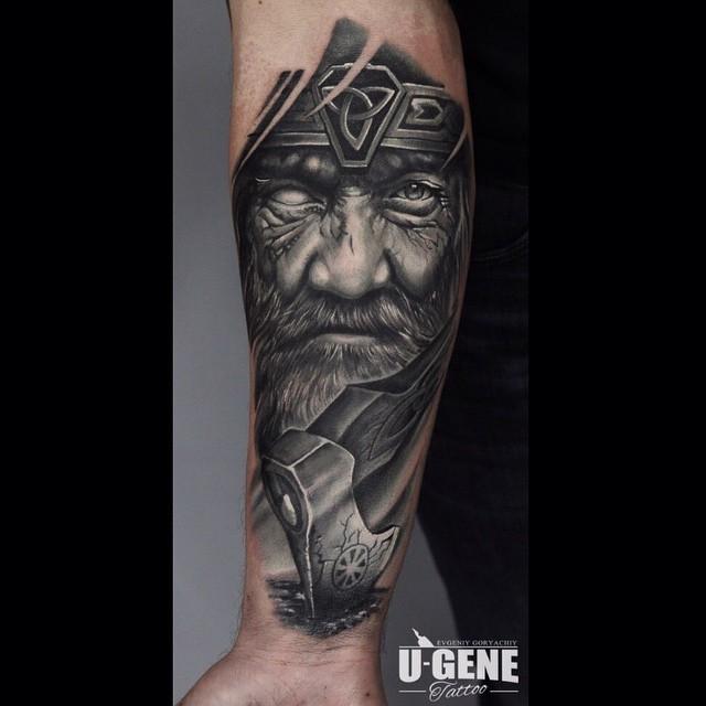 17 13 - 80 tatouages Viking pour hommes