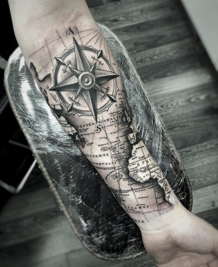 24 12 - 40 tatouages de la carte du monde