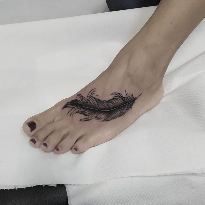 31 12-40 tatouages de plumes pour femmes
