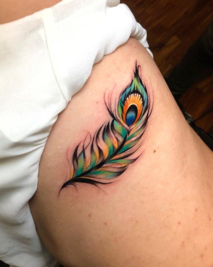 40 tatouages de plumes pour les femmes 2