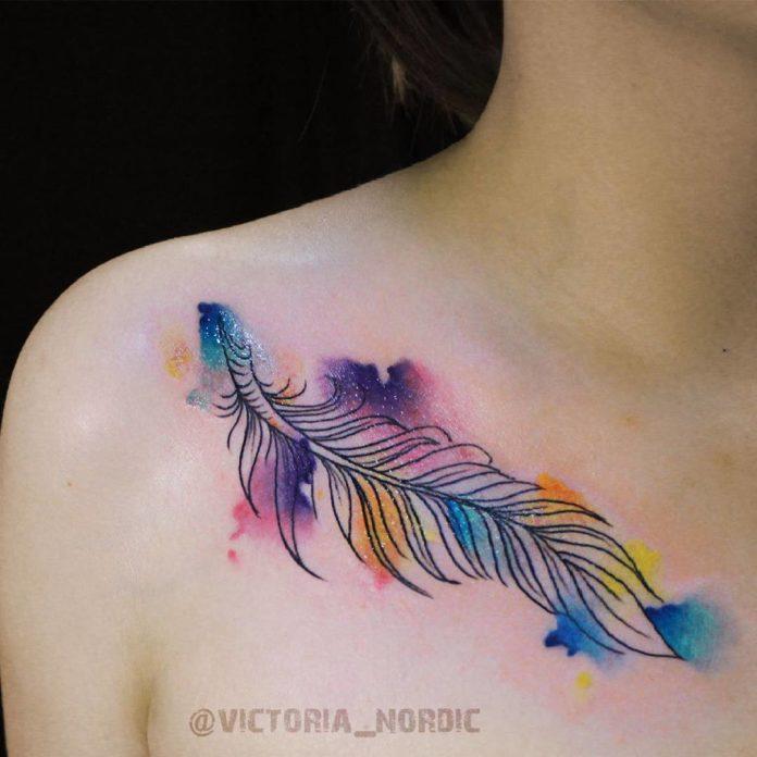 5 11-40 tatouages de plumes pour femmes