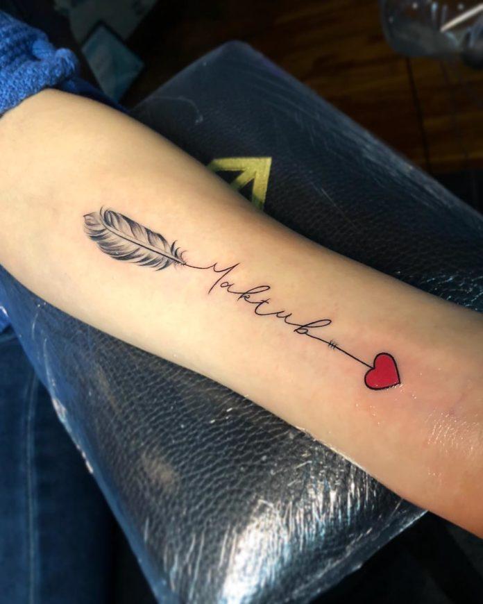7 9-40 tatouages de plumes pour les femmes