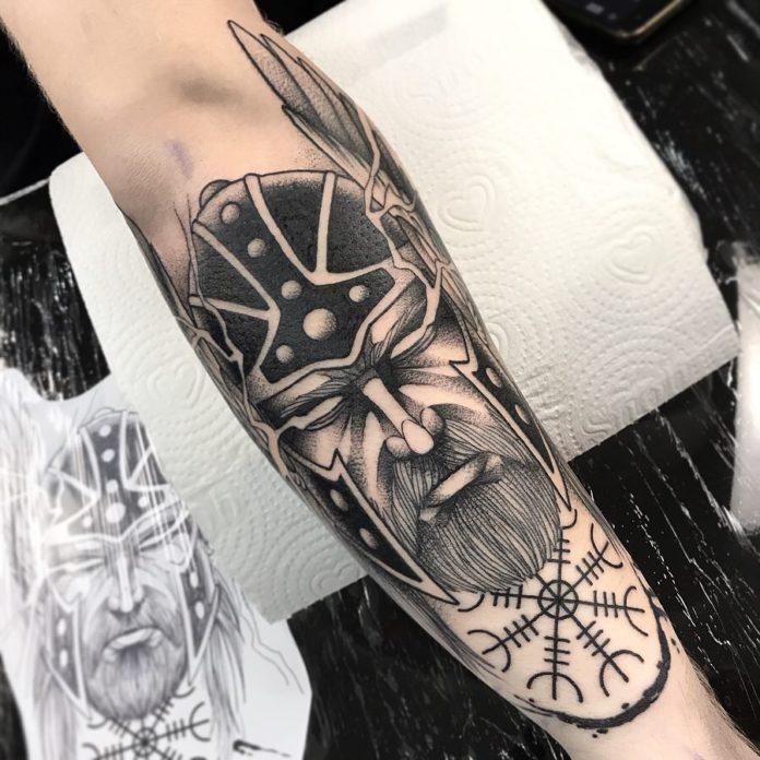 77 1 - 80 Tatouages Viking pour Homme