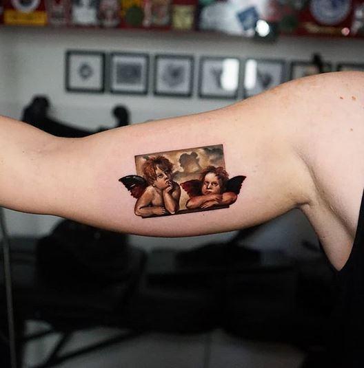 tatouage de bras d'ange mignon