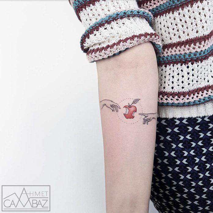 Tatouage d'avant-bras inspiré de l'art classique
