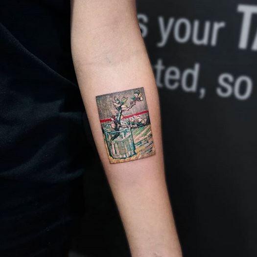 Tatouage d'avant-bras inspiré de Van Gogh