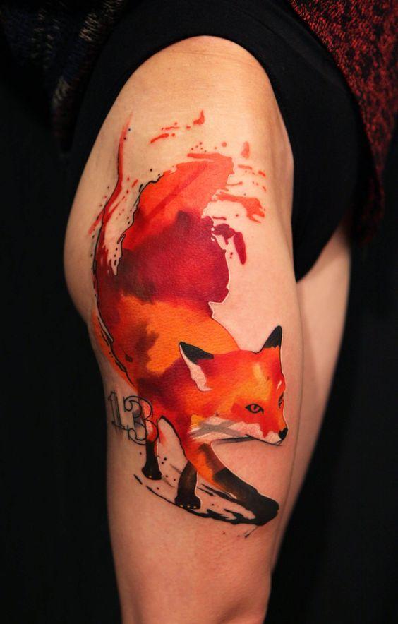 Tatouage de cuisse de renard féroce aquarelle