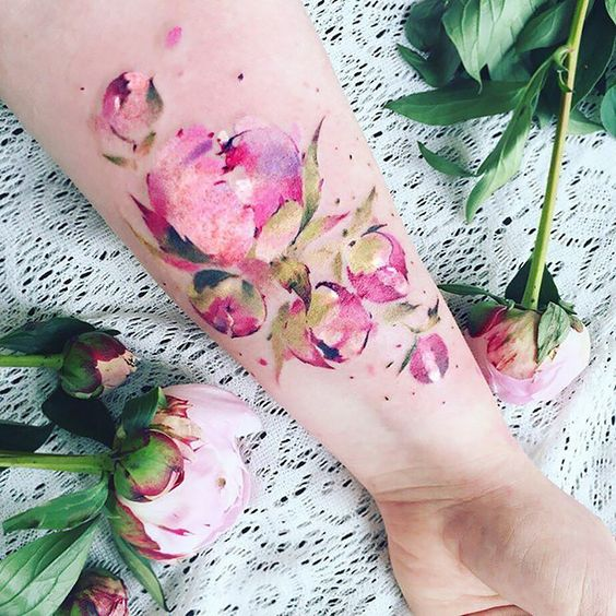 Tatouage Floral Avant-bras Aquarelle