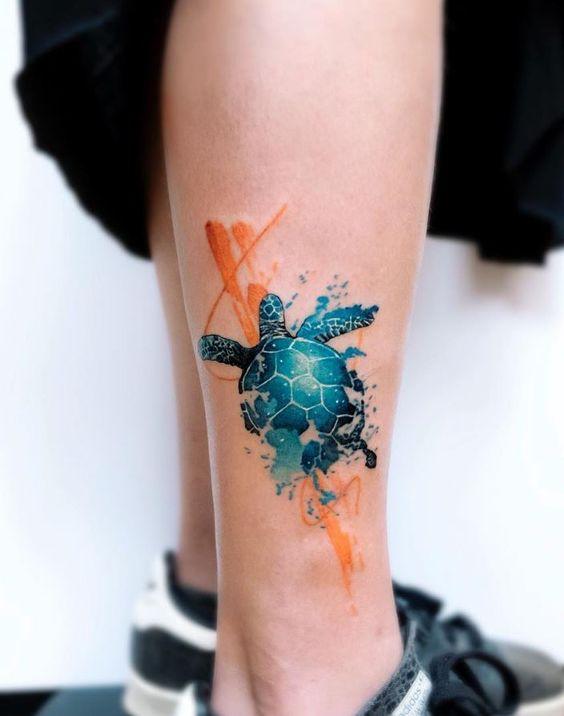 tatouage de jambe de tortue aquarelle