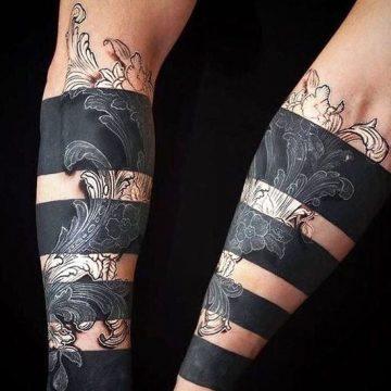 30 tatouages Blackwork audacieux et distinctifs 128