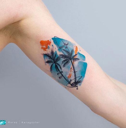 Tatouage de bras de palmiers
