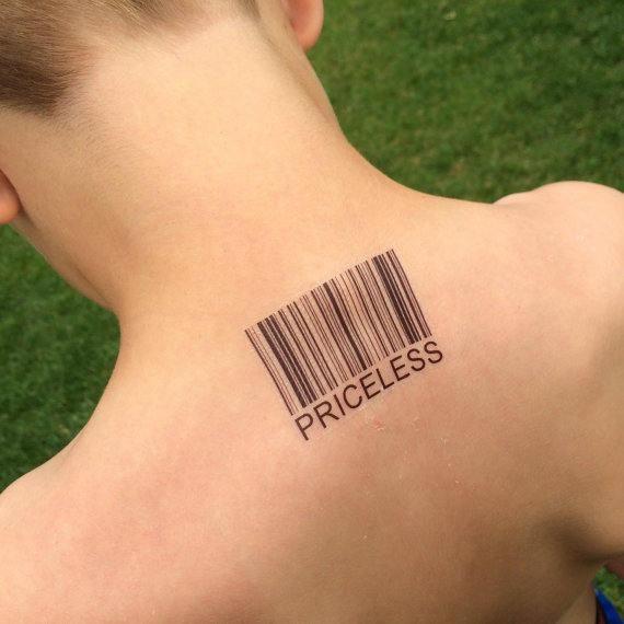 Conceptions de tatouage de logo personnalisé sur le dos